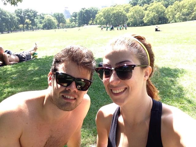 Descanso em Sheep Meadow após corrida no Central Park!